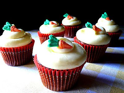 Carrot Cupcakes with White Chocolate Cream Cheese Icing - Fresh
