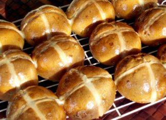 Italian Easter Buns fresh fast