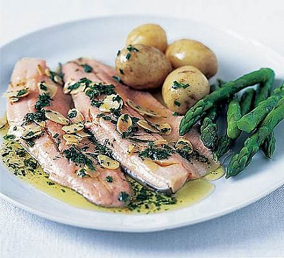 Trout With Almonds and Steamed Veggies - Fresh Ideas