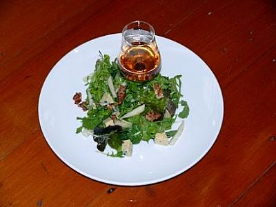 Blue Cheese, Rocket and Pear Salad with Raspberry whisky Vinaigrette - Fresh Ideas