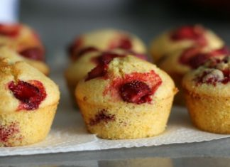Sensational Strawberry Muffins