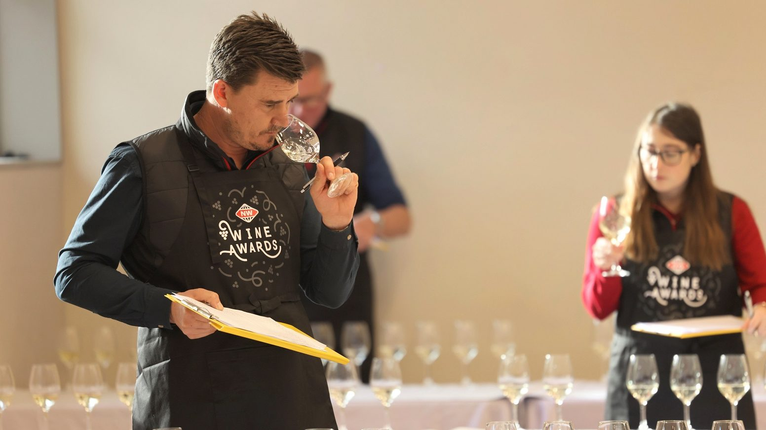 International and NZ wines tasting by 3 judges